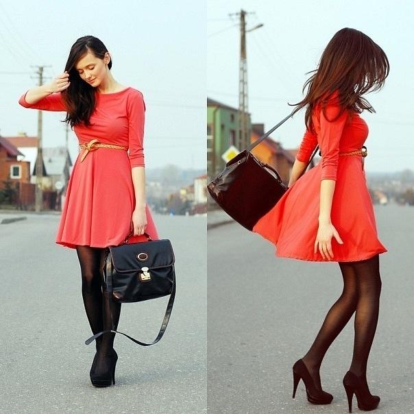 Черное короткое платье какого цвета обувь